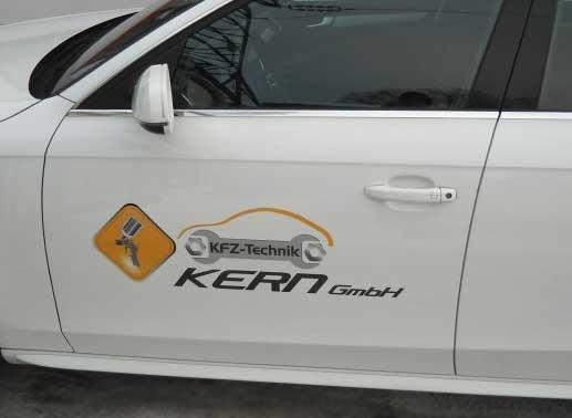 styrolart print- und webdesign - KFZ Kern Breitenbach Firmenlogo Autobeschriftung